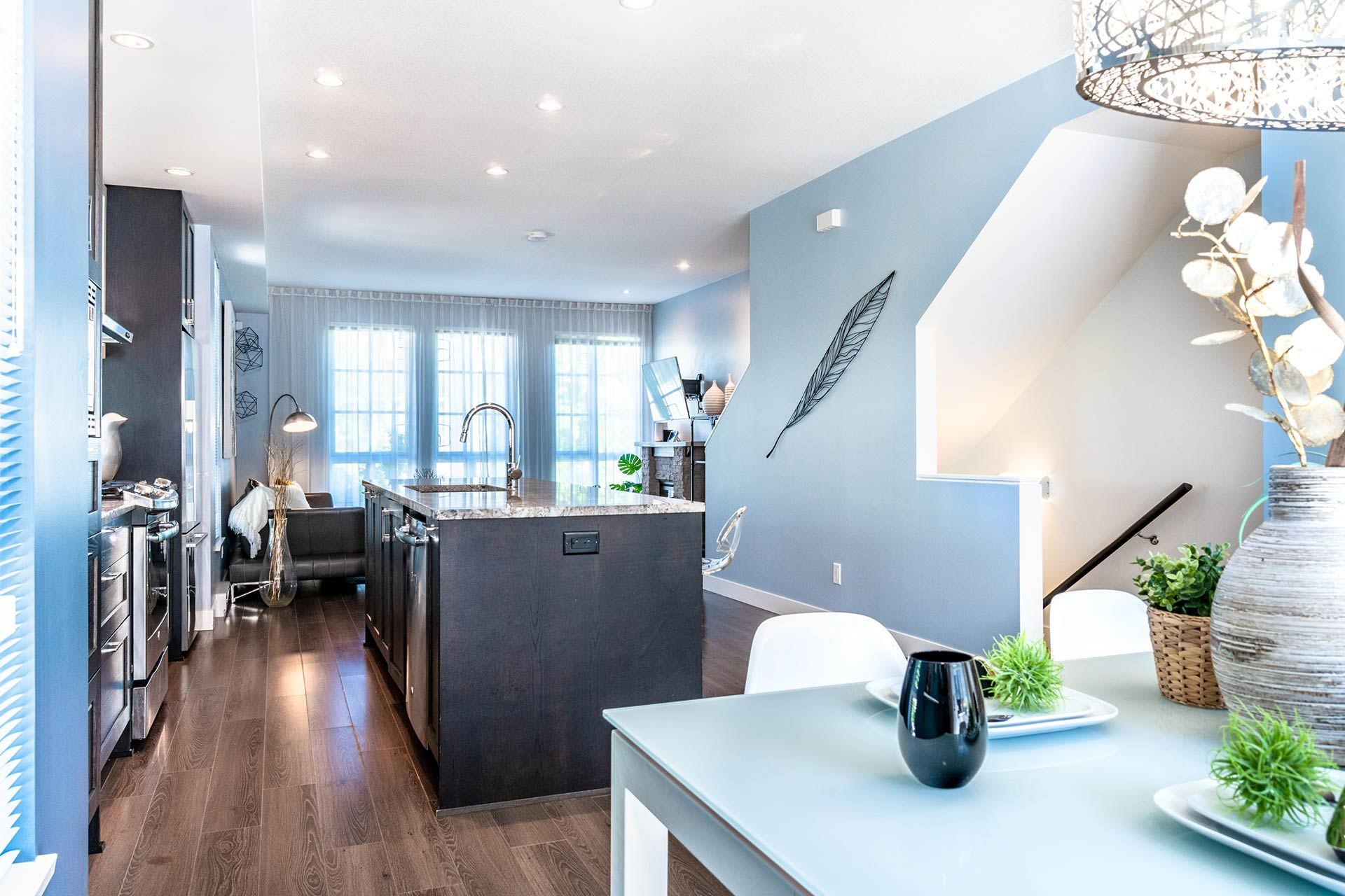 """Photo 14: Photos: 154 548 FOSTER Avenue in Coquitlam: Coquitlam West Townhouse for sale in """"BLACK + WHITE"""" : MLS®# R2587208"""
