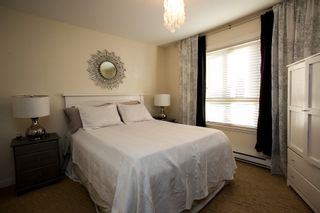 """Photo 6: 9 14921 THRIFT Avenue: White Rock Townhouse for sale in """"Nicole Place"""" (South Surrey White Rock)  : MLS®# R2036122"""