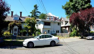 Photo 3: 438,440&442 Montreal St in : Vi James Bay House for sale (Victoria)  : MLS®# 871767