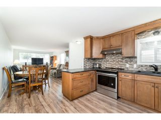 """Photo 9: 14 24330 FRASER Highway in Langley: Otter District Manufactured Home for sale in """"Langley Grove Estates"""" : MLS®# R2518685"""