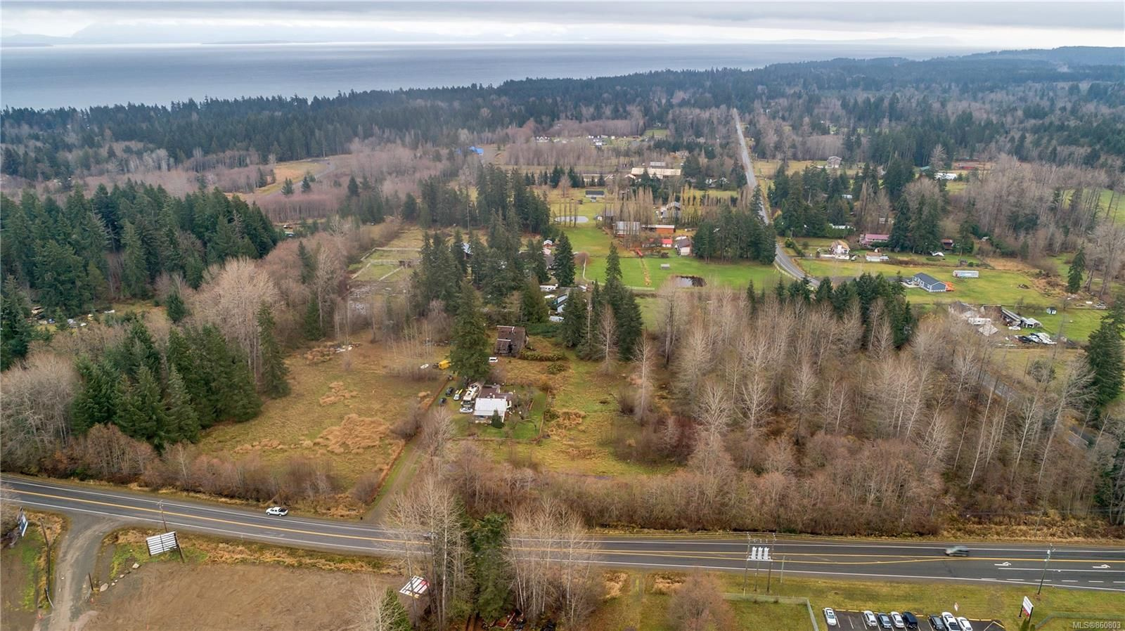 Photo 10: Photos: 8712 N Island Hwy in : CV Merville Black Creek Other for sale (Comox Valley)  : MLS®# 860803