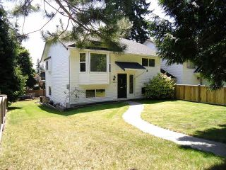 Photo 2: 13484 16TH Avenue in Surrey: Crescent Bch Ocean Pk. 1/2 Duplex for sale (South Surrey White Rock)  : MLS®# F1421818