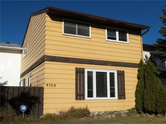 Main Photo: 4304 6 Avenue SE in Calgary: Forest Heights House for sale : MLS®# C4088644