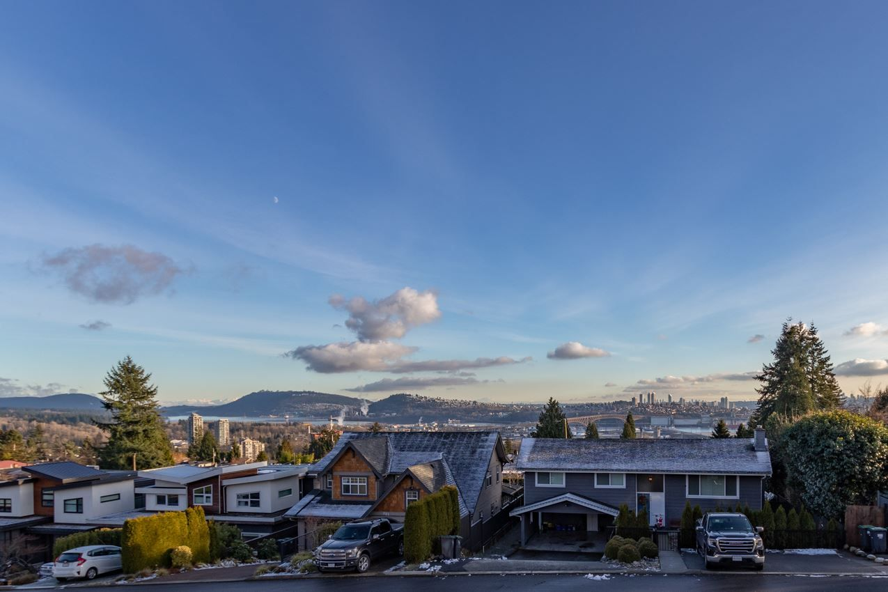 Photo 24: Photos: 900 HENDRY Avenue in North Vancouver: Boulevard House for sale : MLS®# R2526354