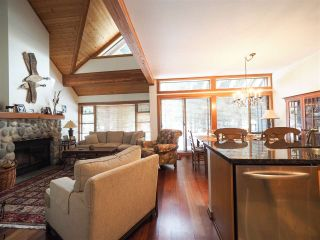 Photo 9: 4614 MONTEBELLO Place in Whistler: Whistler Village Townhouse for sale : MLS®# R2528597