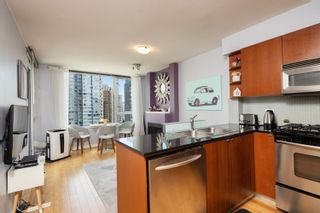 """Photo 19: 1108 822 SEYMOUR Street in Vancouver: Downtown VW Condo for sale in """"L'ARIA"""" (Vancouver West)  : MLS®# R2393856"""