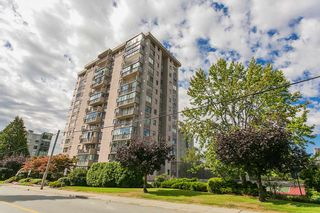Photo 1: 1104 555 13TH STREET in West Vancouver: Ambleside Condo for sale : MLS®# R2222170