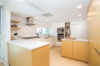 """Photo 16: 3302 1238 MELVILLE Street in Vancouver: Coal Harbour Condo for sale in """"POINTE CLAIRE"""" (Vancouver West)  : MLS®# R2615681"""