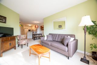"Photo 4: 316 960 LYNN VALLEY Road in North Vancouver: Lynn Valley Condo for sale in ""Balmoral House"" : MLS®# R2562644"