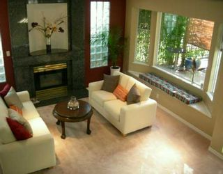 Photo 2: 4872 JAMES Street in Vancouver: Main House for sale (Vancouver East)  : MLS®# V614451