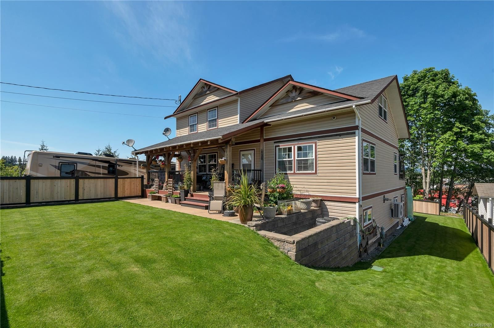Main Photo: 820 10th Ave in : CR Campbell River Central House for sale (Campbell River)  : MLS®# 876101