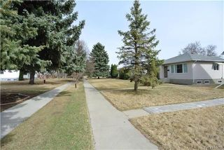 Photo 3: 410 Cabana Place in Winnipeg: Residential for sale (2A)  : MLS®# 1810085