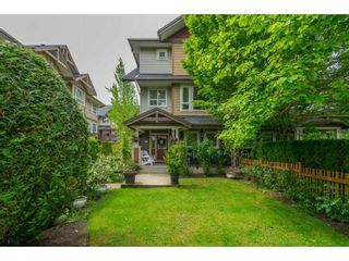 """Photo 2: #101 7088 191 Street in Surrey: Clayton Townhouse for sale in """"Montana"""" (Cloverdale)  : MLS®# R2455841"""