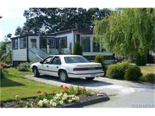 Main Photo:  in VICTORIA: VR Glentana Manufactured Home for sale (View Royal)  : MLS®# 442156