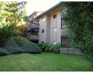 "Photo 1: 106 200 WESTHILL Place in Port_Moody: College Park PM Condo for sale in ""WESTHILL PLACE"" (Port Moody)  : MLS®# V673551"