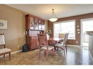 Photo 4: 463 PRESTWICK Circle SE in Calgary: 2 Storey for sale : MLS®# C3524474