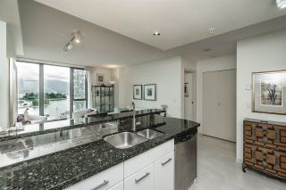 """Photo 6: 1803 1331 W GEORGIA Street in Vancouver: Coal Harbour Condo for sale in """"THE POINTE"""" (Vancouver West)  : MLS®# R2073333"""