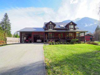 Photo 9: 14685 SQUAMISH VALLEY Road in Squamish: Upper Squamish House for sale : MLS®# R2557539