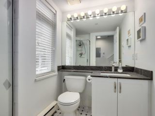 """Photo 11: 210 2545 W BROADWAY Avenue in Vancouver: Kitsilano Townhouse for sale in """"Trafalgar Mews"""" (Vancouver West)  : MLS®# R2590394"""