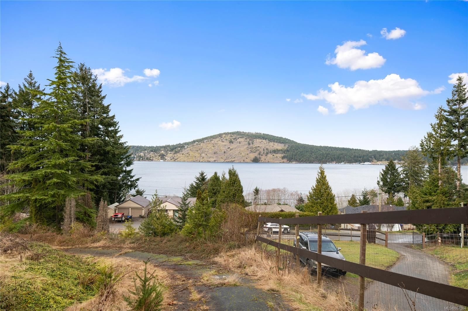 Main Photo: 3030 Hillview Rd in : Na Upper Lantzville House for sale (Nanaimo)  : MLS®# 867504