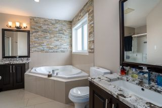 Photo 34: 808 ALBANY Cove in Edmonton: Zone 27 House for sale : MLS®# E4227367