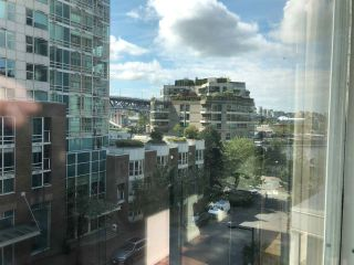 """Photo 7: 501 910 BEACH Avenue in Vancouver: Yaletown Condo for sale in """"910 BEACH"""" (Vancouver West)  : MLS®# R2584313"""