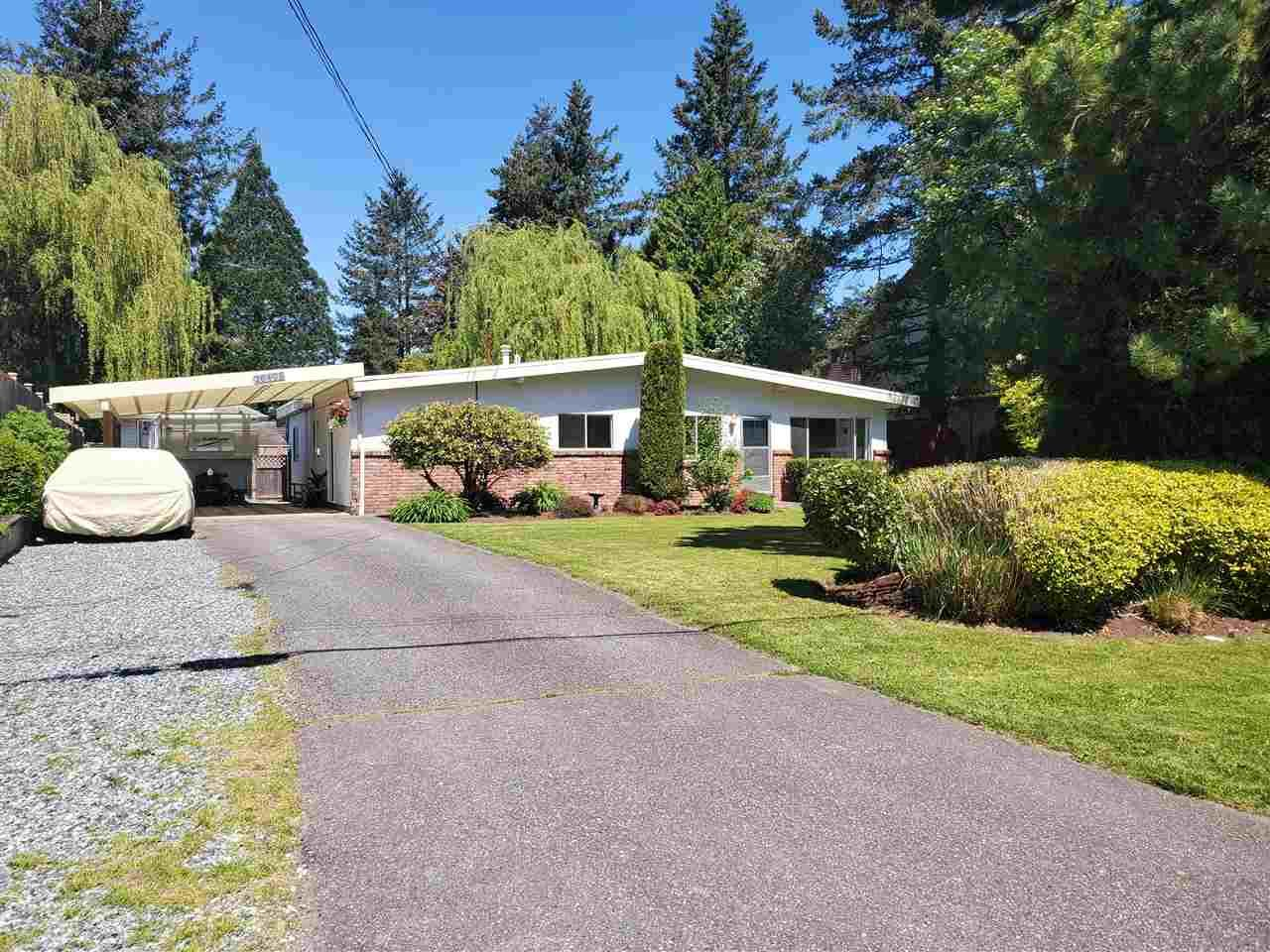 "Main Photo: 26493 28B Avenue in Langley: Aldergrove Langley House for sale in ""ALDERGROVE"" : MLS®# R2455229"