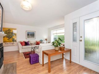 Photo 2: 581 Marine View in COBBLE HILL: ML Cobble Hill House for sale (Malahat & Area)  : MLS®# 825299