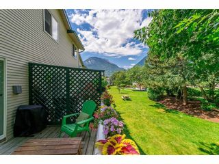 "Photo 14: 43 39920 GOVERNMENT Road in Squamish: Garibaldi Estates Townhouse for sale in ""SHANNON ESTATES"" : MLS®# R2283291"