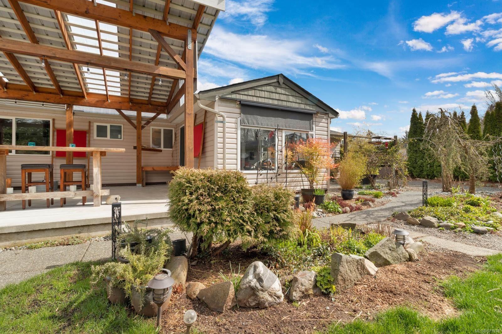 Photo 27: Photos: 1539 Chilcotin Cres in : CV Comox (Town of) House for sale (Comox Valley)  : MLS®# 871978