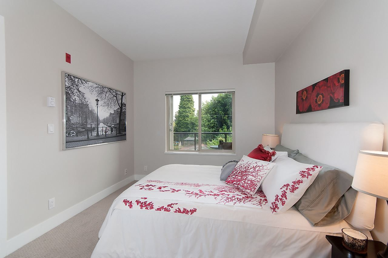 """Photo 16: Photos: 205 1273 MARINE Drive in North Vancouver: Norgate Condo for sale in """"THE IVY"""" : MLS®# R2116116"""