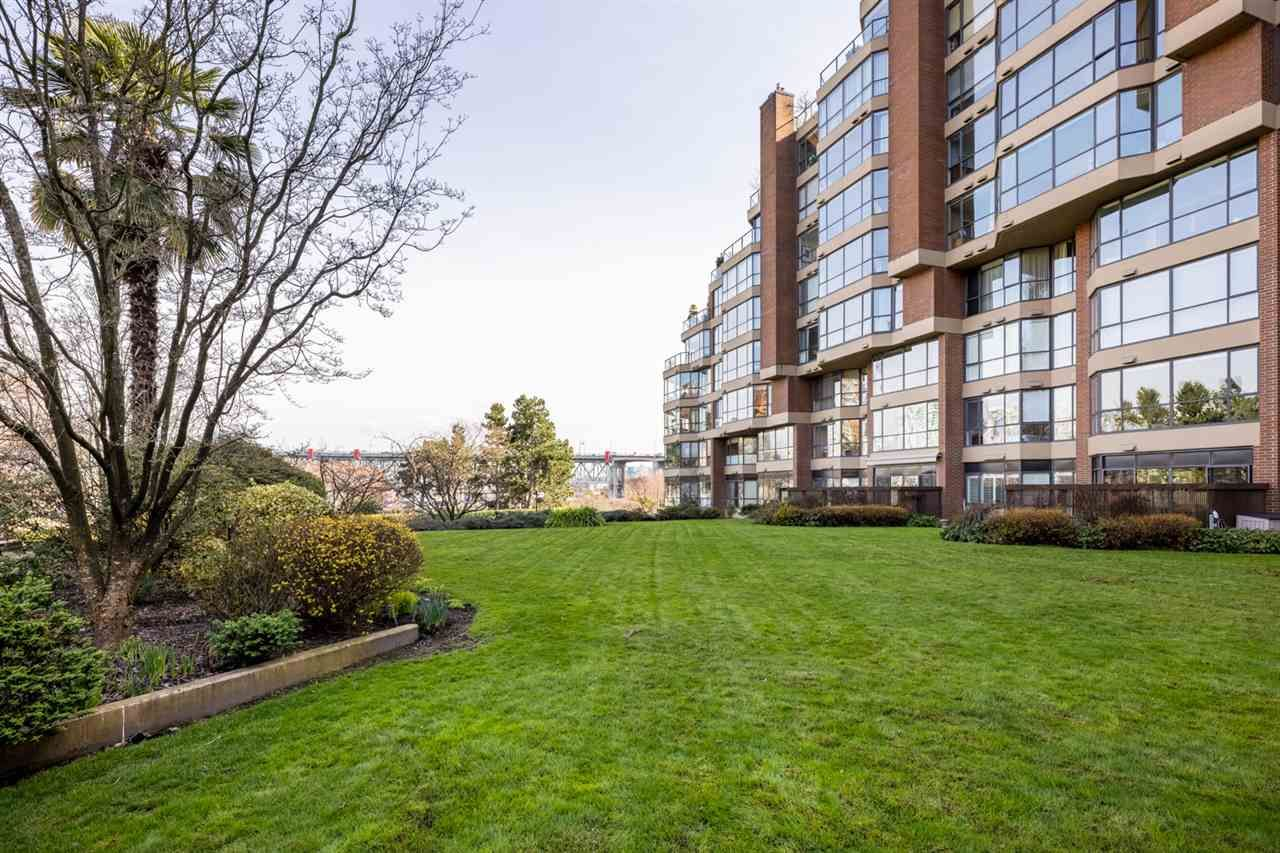 """Photo 24: Photos: 307 1470 PENNYFARTHING Drive in Vancouver: False Creek Condo for sale in """"Harbour Cove"""" (Vancouver West)  : MLS®# R2552898"""