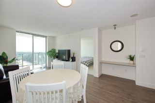 "Photo 11: 2502 3007 GLEN Drive in Coquitlam: North Coquitlam Condo for sale in ""Evergreen"" : MLS®# R2389564"