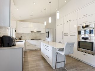 """Photo 17: 587 W KING EDWARD Avenue in Vancouver: Cambie Townhouse for sale in """"JAMES RESIDENCE"""" (Vancouver West)  : MLS®# R2537952"""