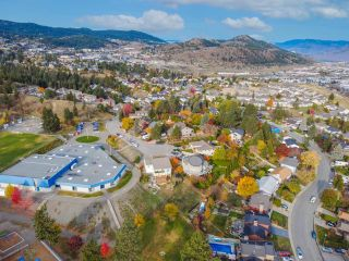 Photo 8: 405 MONARCH Court in Kamloops: Sahali House for sale : MLS®# 164542