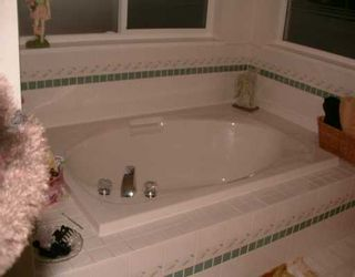 """Photo 10: 816 CELESTIAL Place in Gibsons: Gibsons & Area House for sale in """"AURORA ESTATES"""" (Sunshine Coast)  : MLS®# V618434"""