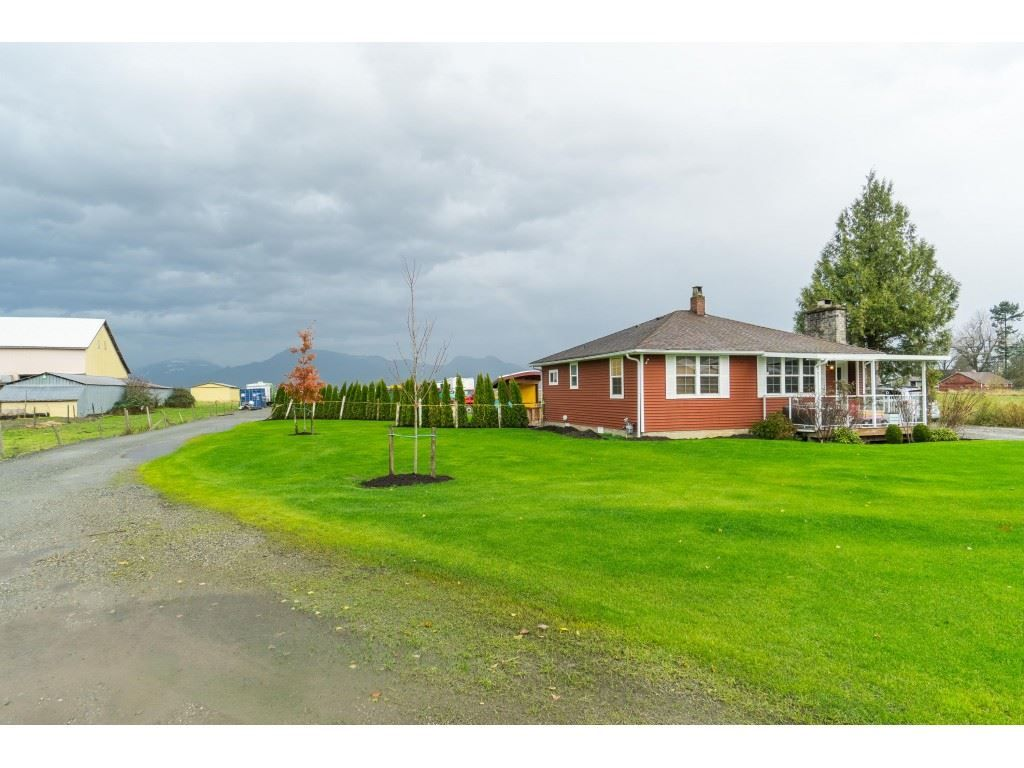 Main Photo: 48551 PRAIRIE CENTRAL Road in Chilliwack: East Chilliwack House for sale : MLS®# R2518432