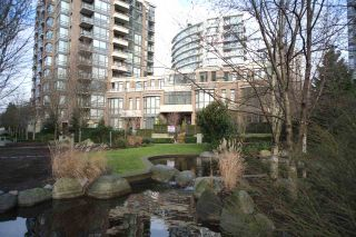 """Photo 16: 162 W 1ST Street in North Vancouver: Lower Lonsdale Townhouse for sale in """"ONE PARK LANE"""" : MLS®# R2024415"""