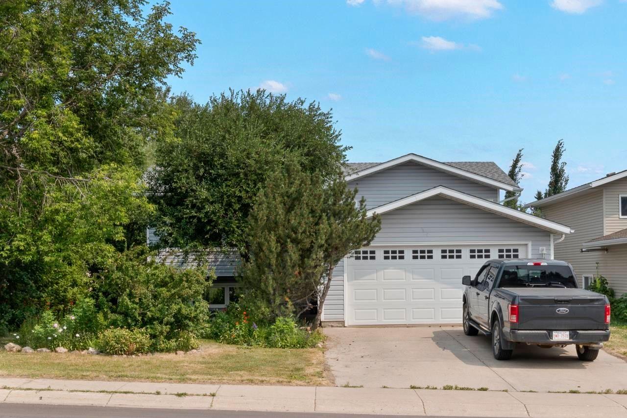 Main Photo: 1312 12 Street: Cold Lake House for sale : MLS®# E4255542