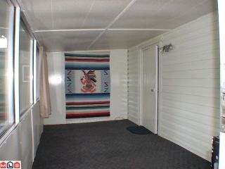 """Photo 4: 5 24330 FRASER Highway in Langley: Otter District Manufactured Home for sale in """"LANGLEY GROVE ESTATES"""" : MLS®# F1015305"""