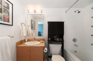 """Photo 13: 2208 928 HOMER Street in Vancouver: Yaletown Condo for sale in """"Yaletown Park"""" (Vancouver West)  : MLS®# R2373790"""