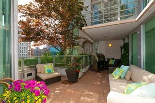 """Photo 4: 901 565 SMITHE Street in Vancouver: Downtown VW Condo for sale in """"VITA"""" (Vancouver West)  : MLS®# R2389668"""