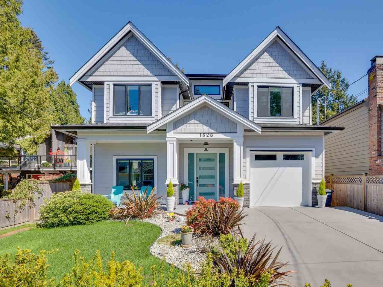Main Photo: 1628 FARRELL Crescent in Delta: Beach Grove House for sale (Tsawwassen)  : MLS®# R2571389