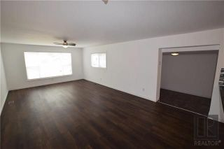 Photo 4: 8 CEDAR Crescent in St Clements: Pineridge Trailer Park Residential for sale (R02)  : MLS®# 1820053