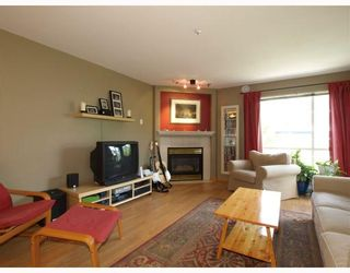 """Photo 2: 303 789 W 16TH Avenue in Vancouver: Fairview VW Condo for sale in """"SIXTEEN WILLOWS"""" (Vancouver West)  : MLS®# V774177"""