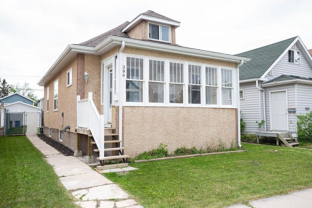 Main Photo: 386 Tweed Avenue in Winnipeg: Elmwood Residential for sale (3A)  : MLS®# 202013437