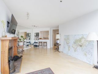 """Photo 11: 406 1551 MARINER Walk in Vancouver: False Creek Condo for sale in """"LAGOONS"""" (Vancouver West)  : MLS®# R2548149"""