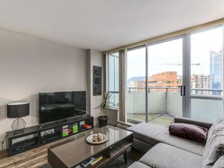 Photo 6: 1801 1212 Howe in Vancouver: Downtown VW Condo for sale (Vancouver West)  : MLS®# R2130353