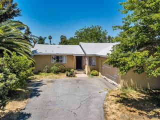 Photo 3: EAST ESCONDIDO House for sale : 4 bedrooms : 917 N Beech Street in Escondido