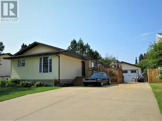 Photo 1: 909 10A Avenue SE in Slave Lake: House for sale : MLS®# A1128876